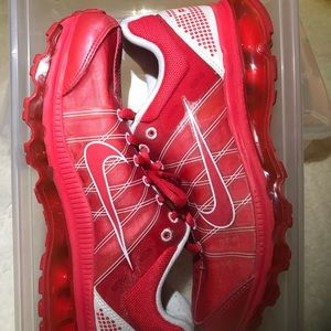 Cherry Red Nike Air Max size 7 youth.
